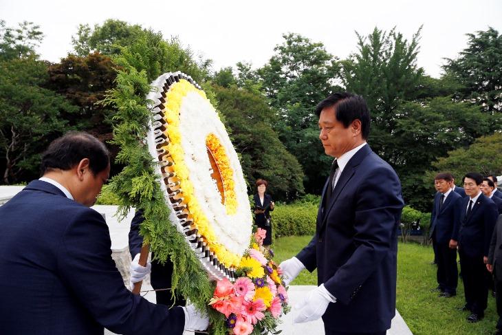 민선7기 1주년기념 충혼탑참배(20190701)-01.JPG