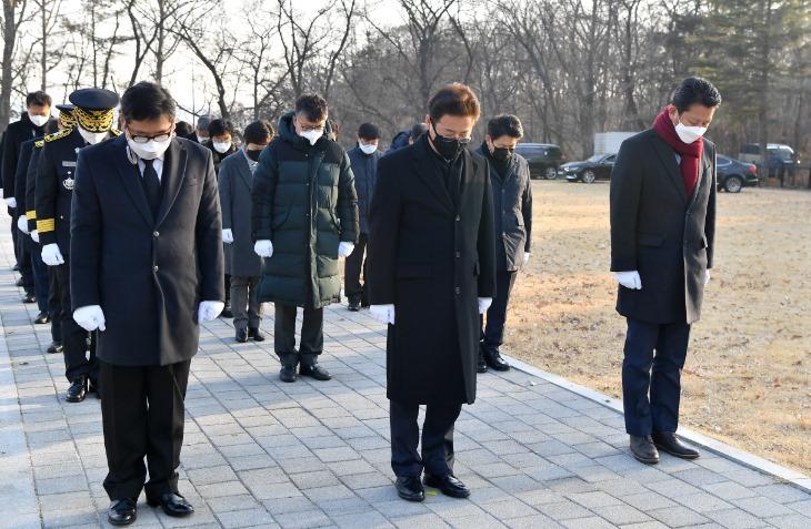 (1-2)신년_충혼탑_참배4.jpg