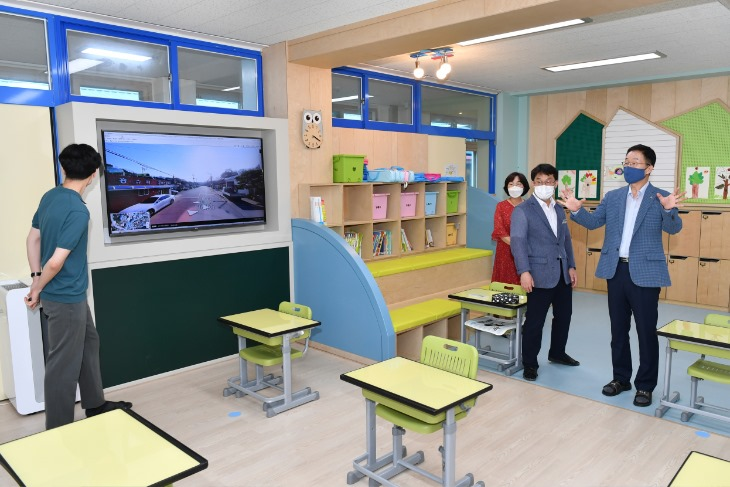 0105-6미래 교육을 향하는 '그린스마트 미래학교'(학교 공간혁신 사업을 추진한 예천 감천초등학교).JPG